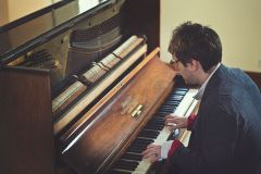 Click to enlarge image indie-piano-3.jpg